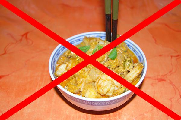 Verboten: Stäbchen in die Reisschale stecken!