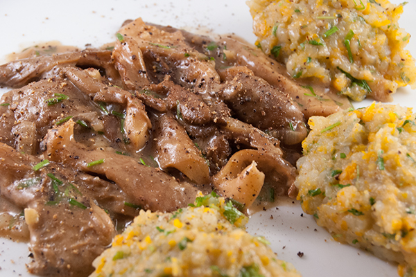 Austernpilze mit Kartoffel-Wurzel-Stampf