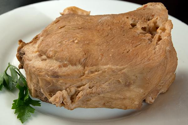 Das gewässerte und gekochte Kuheuter – hat einen leichten Braten- oder Schnitzelfleisch-Touch, oder?