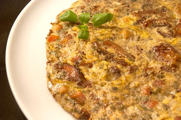 Das fertige Omelette mit Pansen, Speck und Eiern