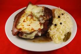 Schulterbraten mit Sauerkraut