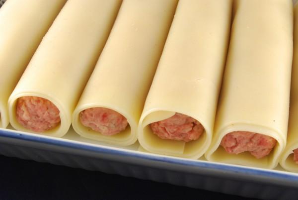 Gefüllte Lasagneplatten in der Auflaufform
