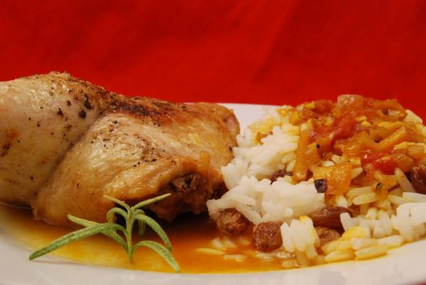 Entenschenkel mit Rosinen-Reis und viel fruchtige Sauce