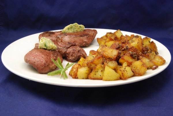Leckeres Steak mit Bratkartoffeln