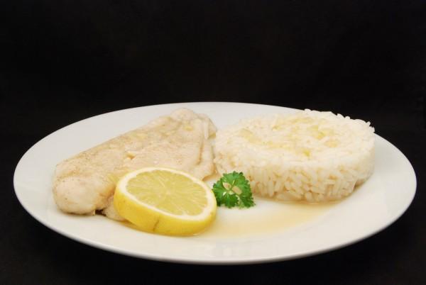 Fischfilet mit Reis in einer sehr leckeren Sauce
