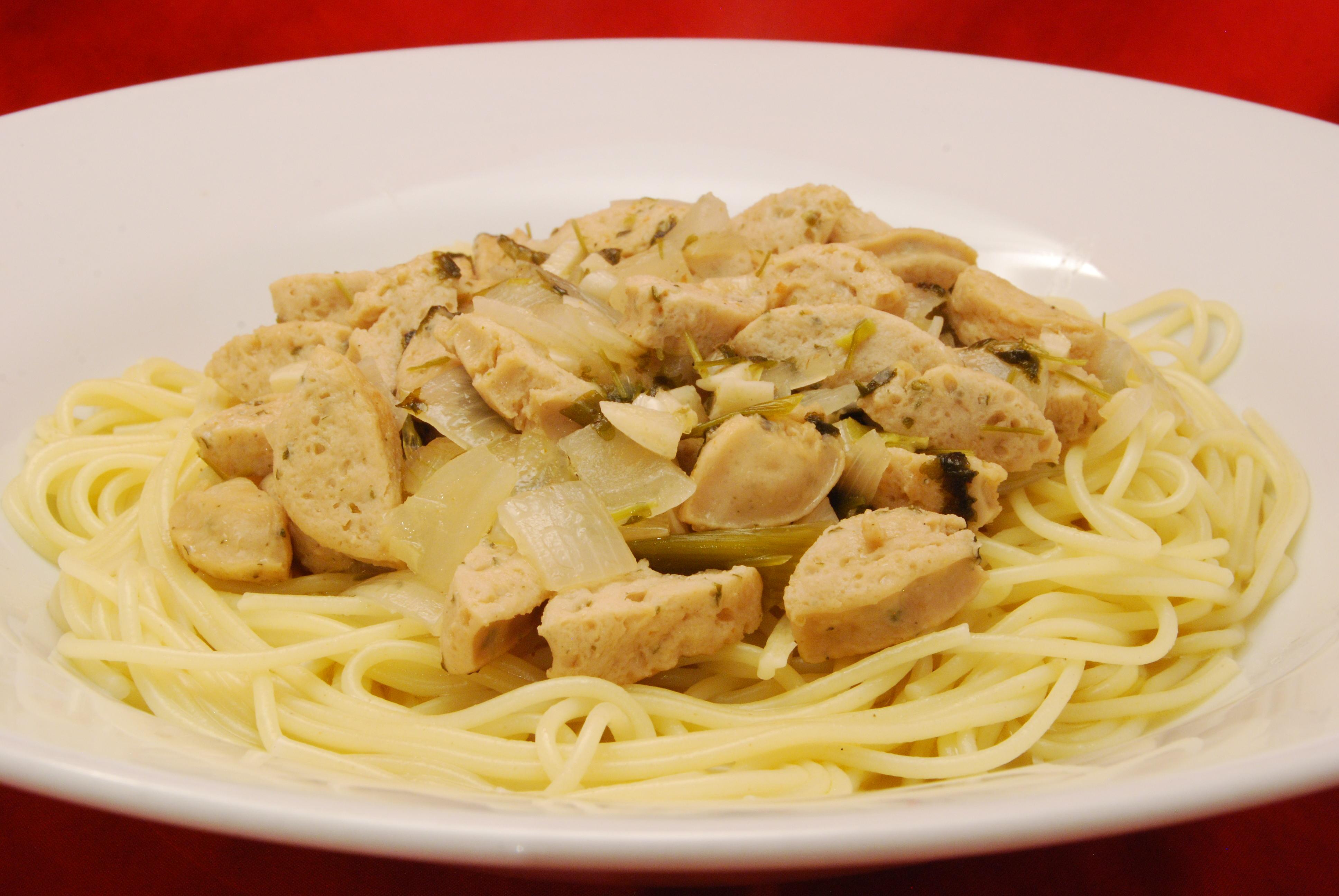 Weißwurst in Weißwein-Sauce mit Spaghetti