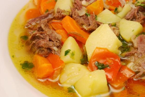 Sehr leckerer Eintopf mit Gemüse und Fleisch