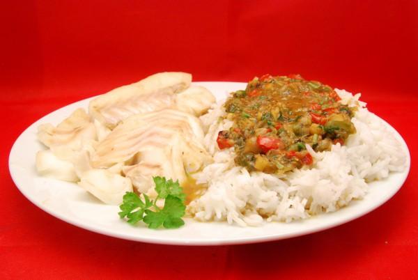 Fisch mit Reis in sehr schmackhafter Sauce