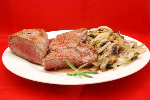 Leckere Steaks mit etwas Gemüse