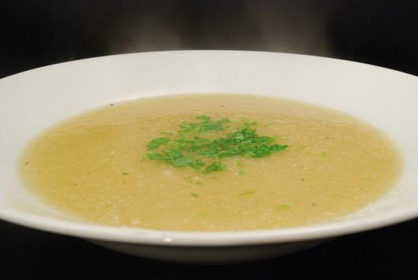Schmackhafte und cremige Suppe