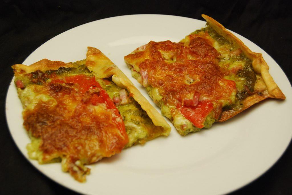 Paprika-Speck-Pizza