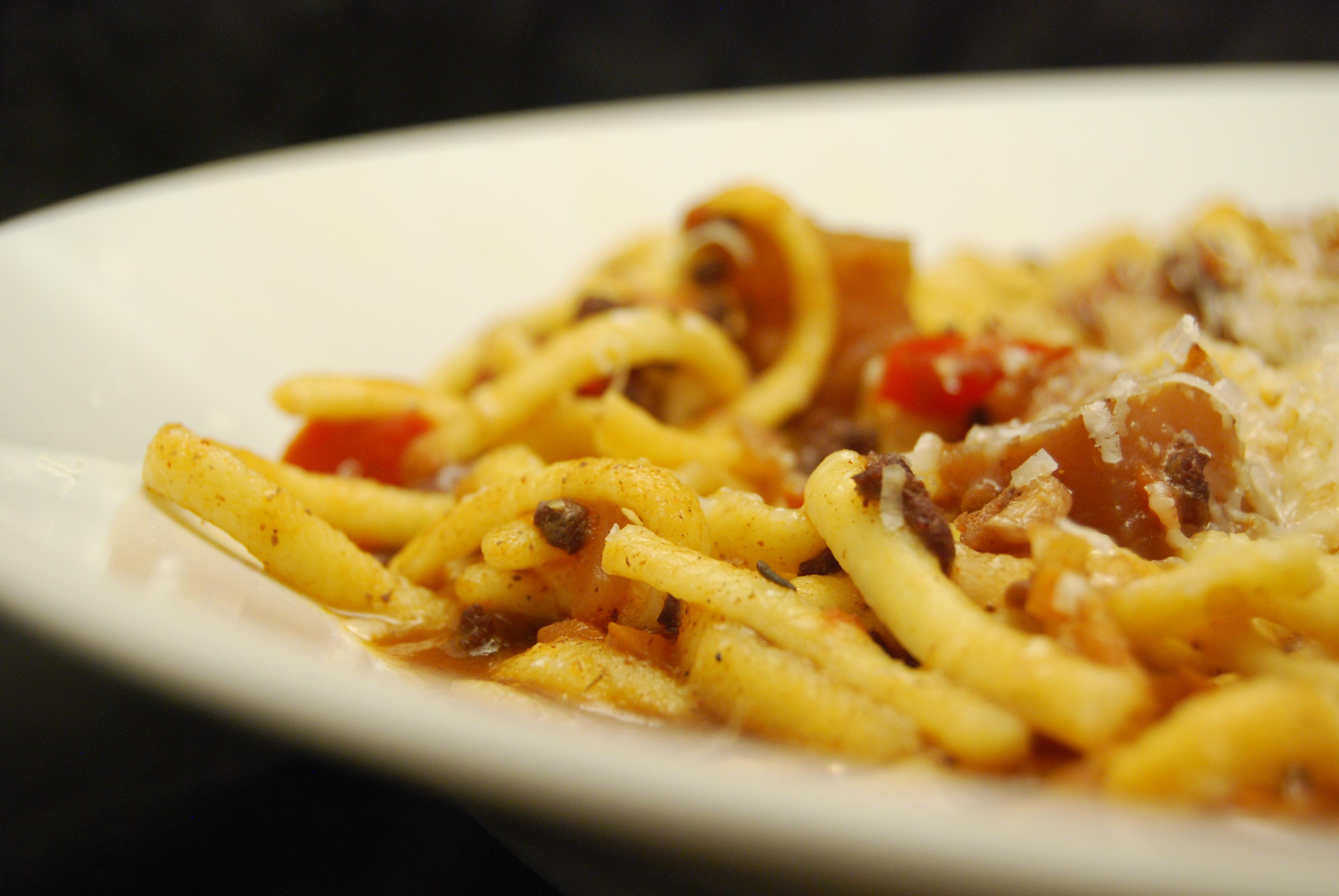 Spätzle mit Hackfleisch-Gemüse-Sauce