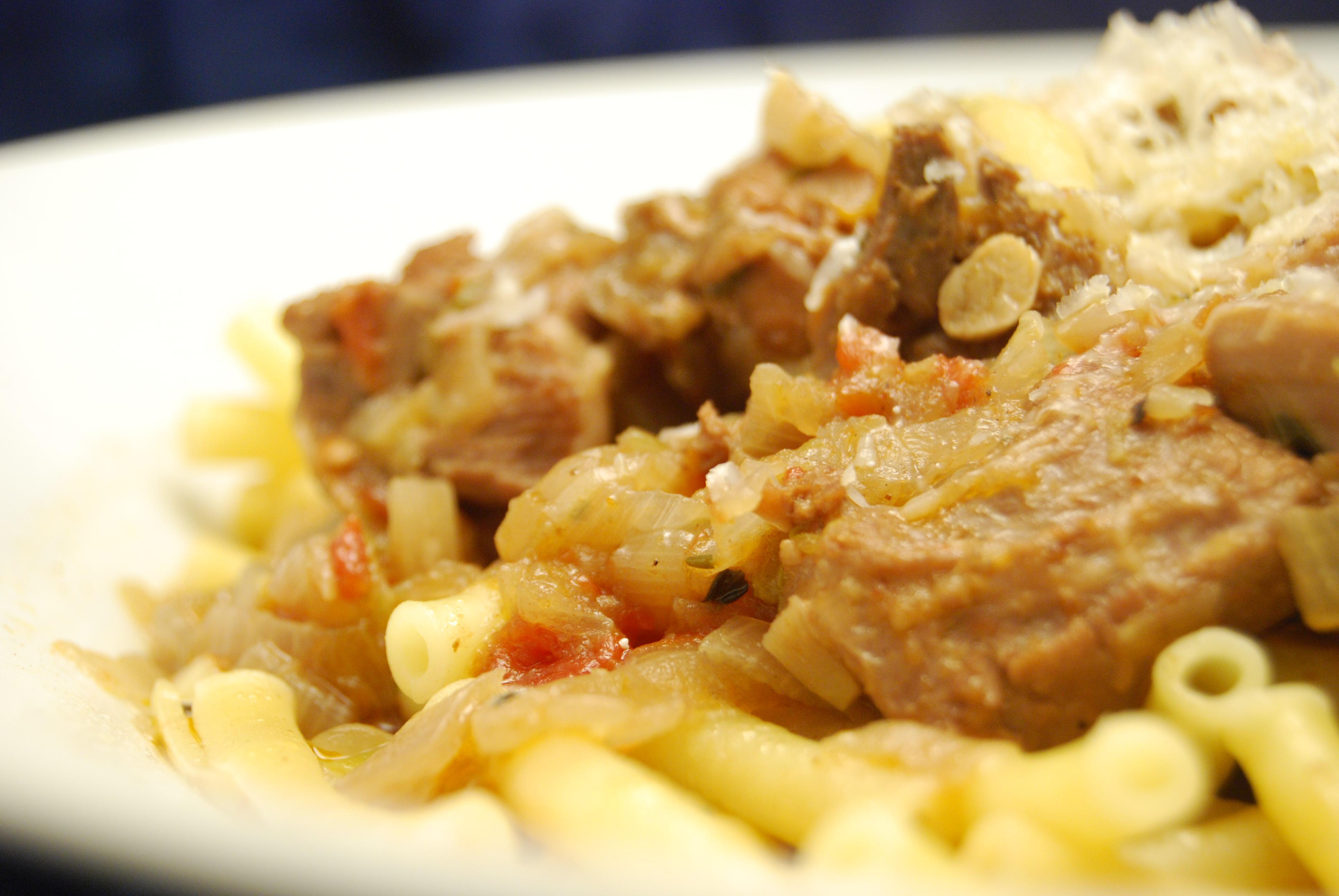Puten-Gulasch mit Pasta
