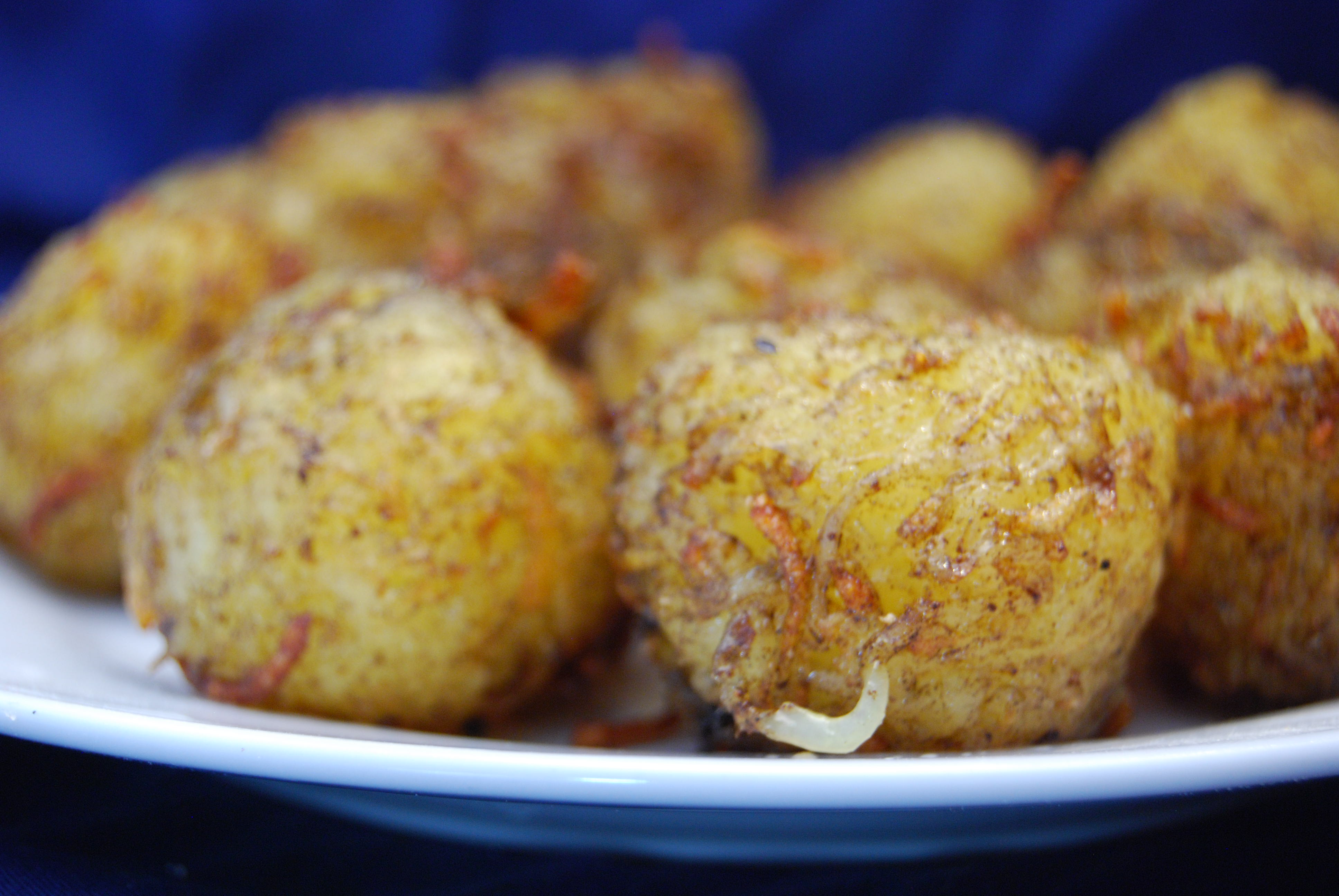 Kartoffelkugeln mit süßer Chili-Sauce