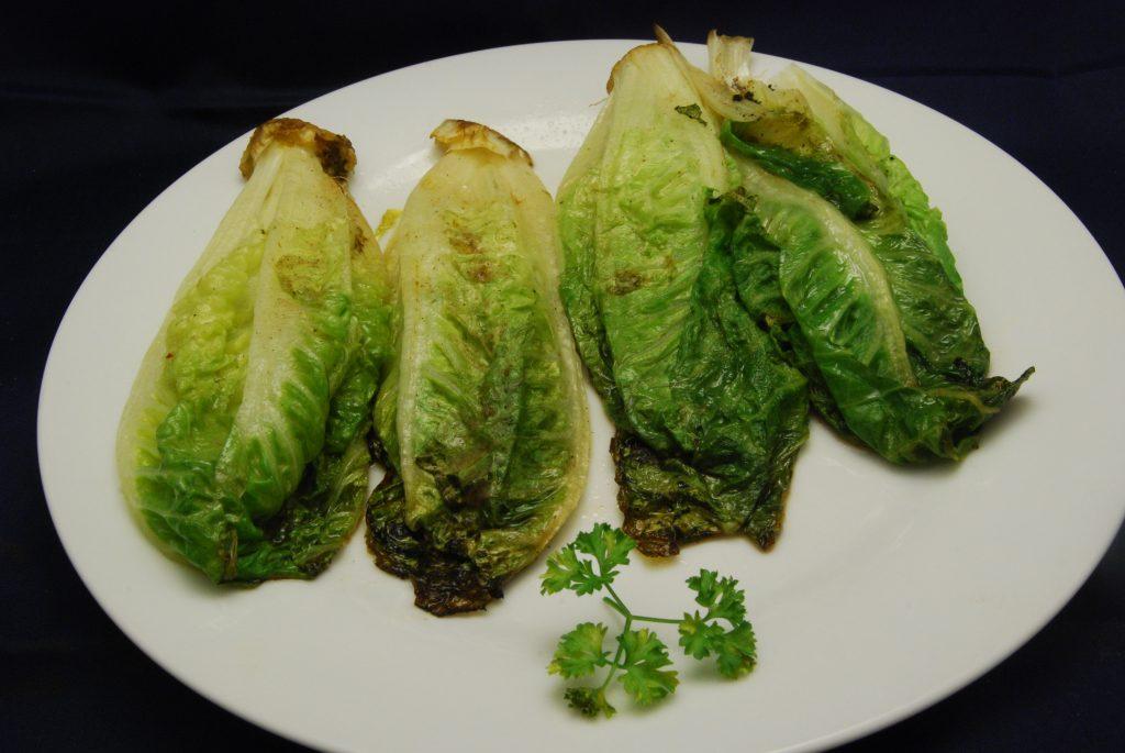 Gebratene Romana-Salatherzen