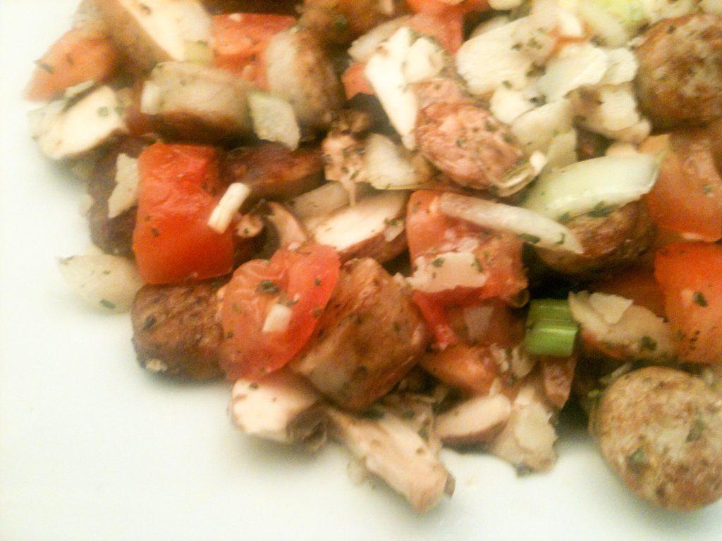 Lauwarmer Bratwurst-Salat