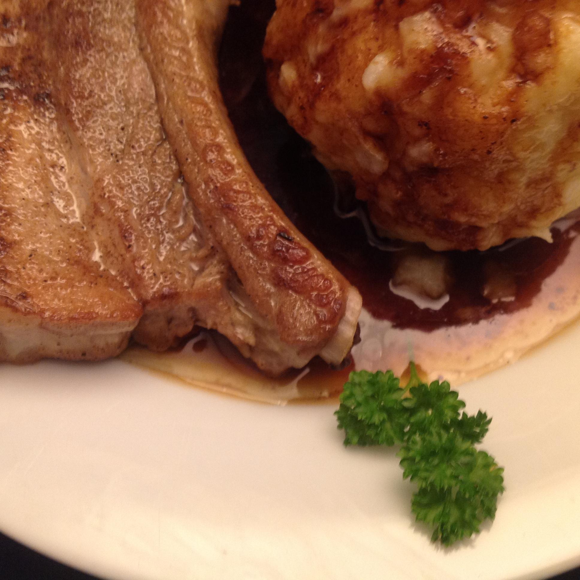 Schweinebauch in Weißwein-Sauce mit Kartoffelklößen