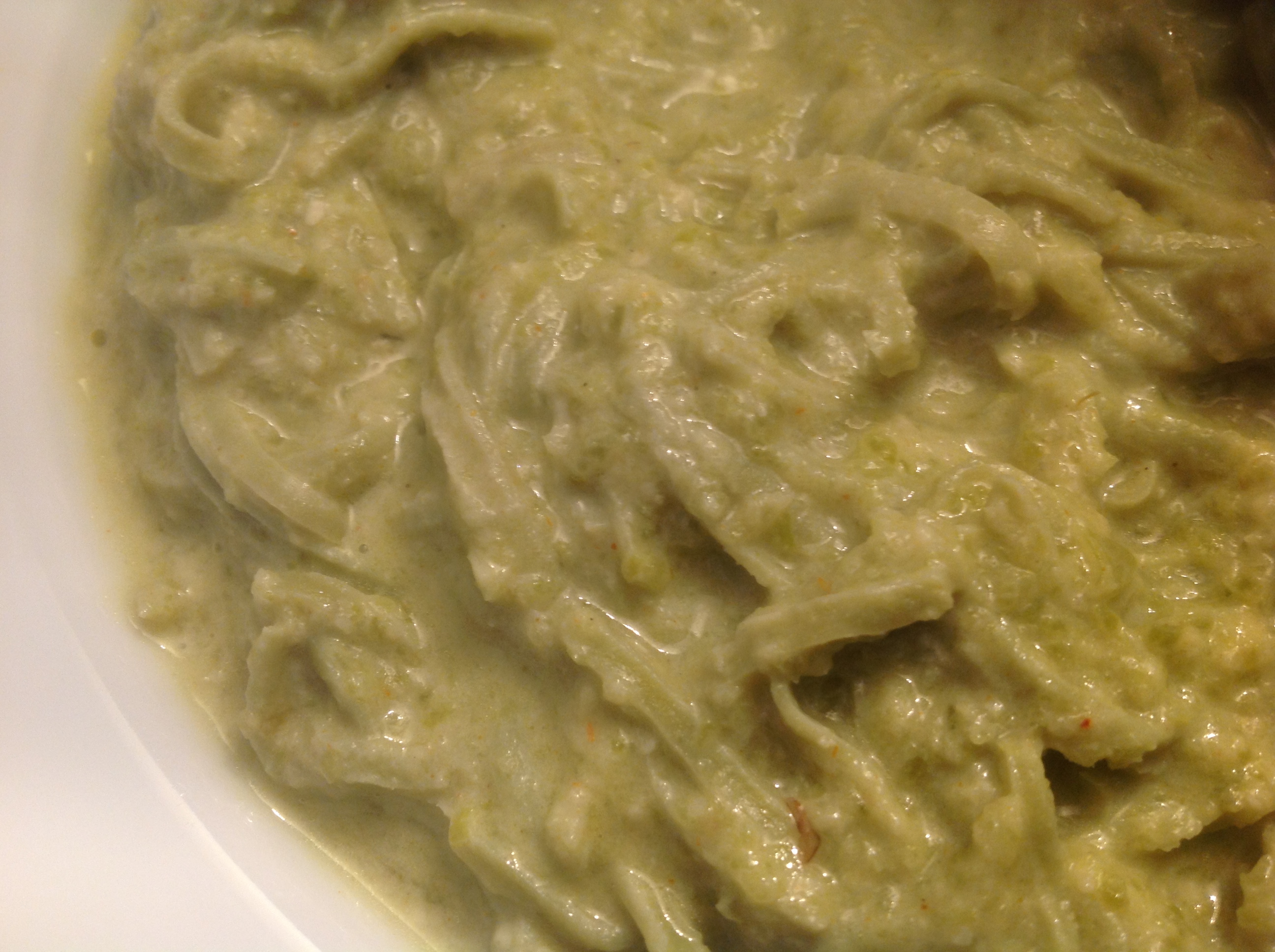 Soja-Spaghetti mit Bohnen-Pesto