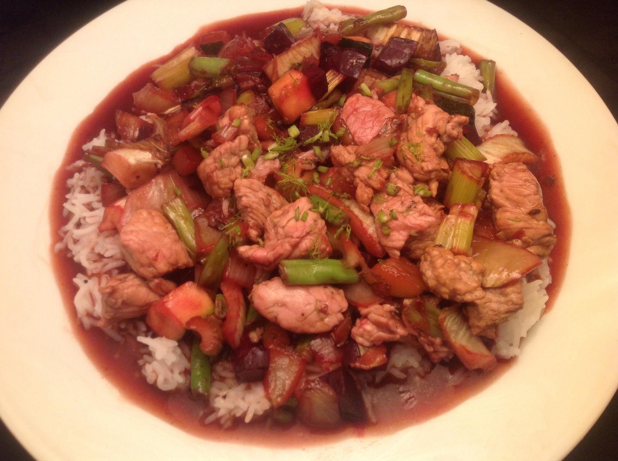 Putenfleisch mit Gemüse in Teriyaki-Sauce mit Basmati-Reis