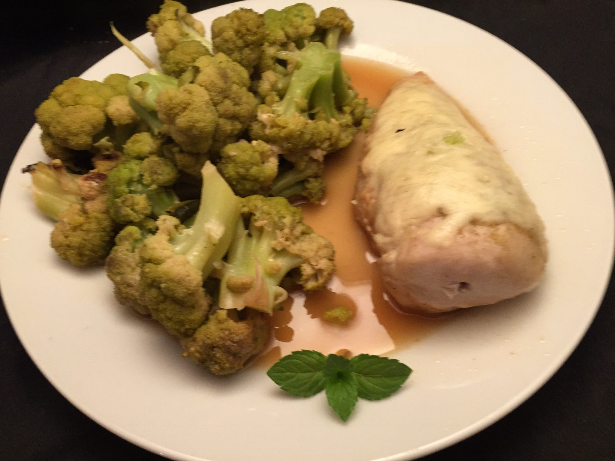 Hähnchenbrust-Filet mit Brokkoli in Riesling-Sauce