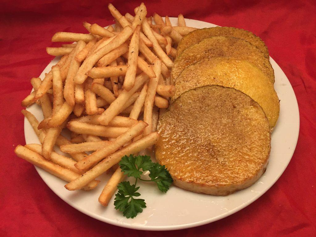 Frittierte Kürbis-Steaks mit Pommes Frites