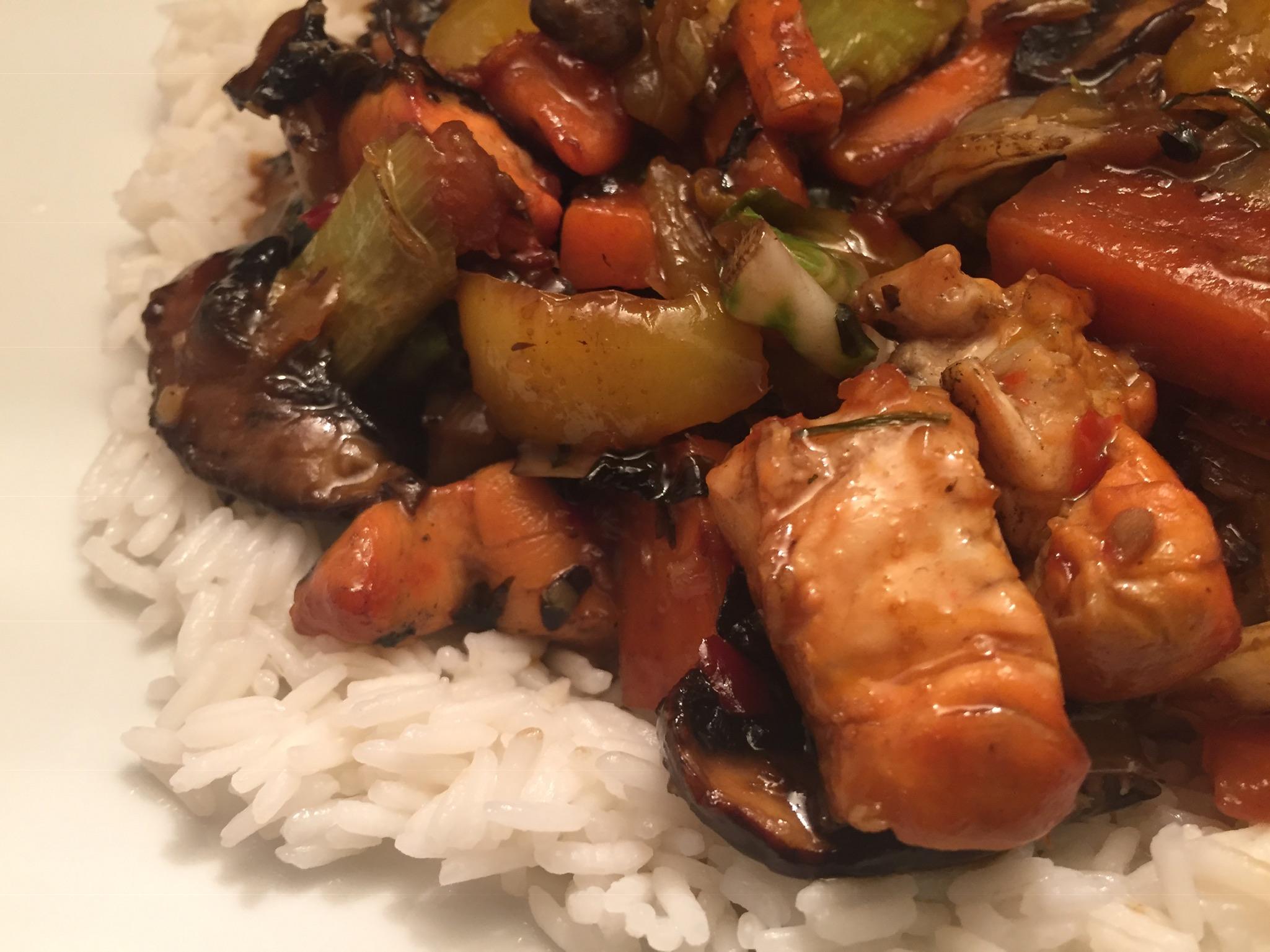 Hähnchenbrust mit Gemüse asiatisch und Basmati-Reis
