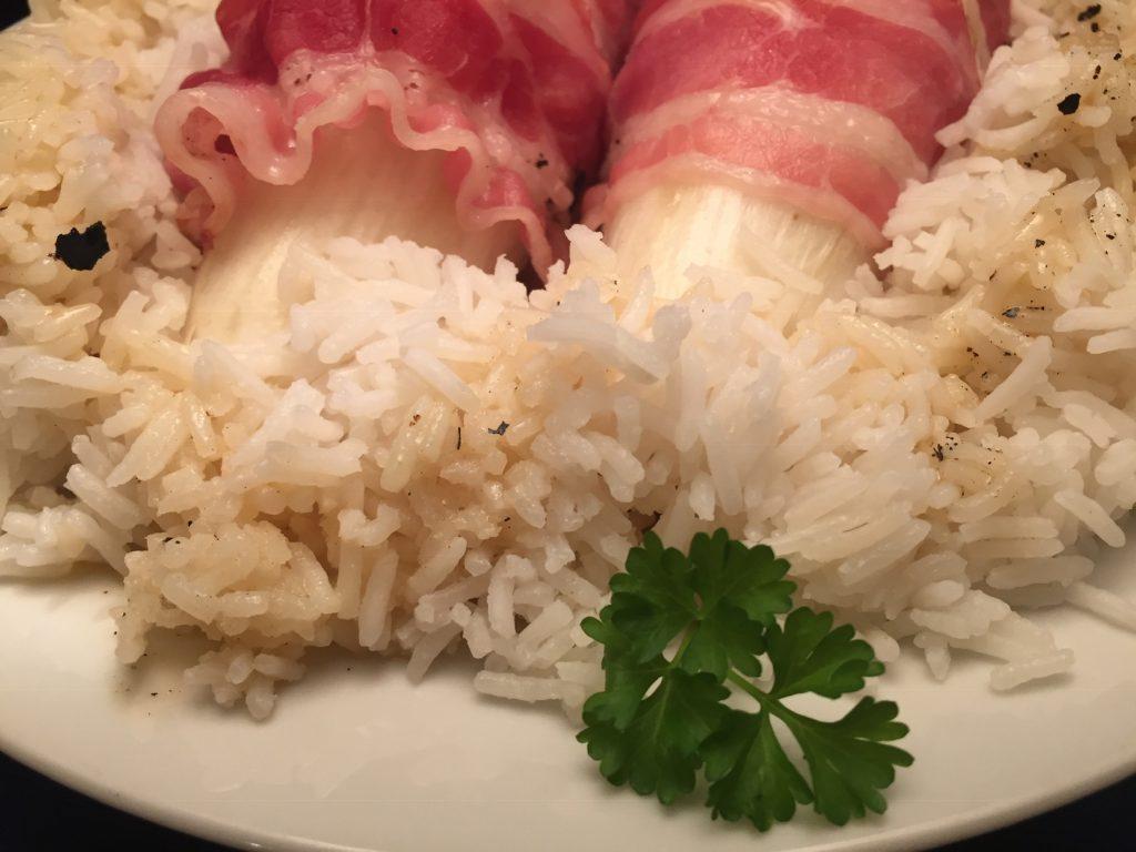 Chicorée im Speckmantel in Riesling-Sauce mit Basmati-Reis