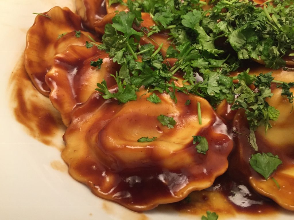 Frische Girasoli mit Teriyaki-Sauce