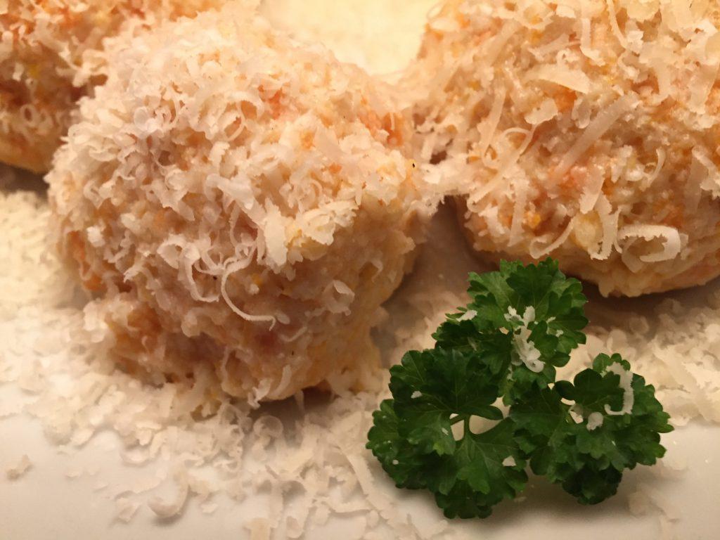 Wurzeln-Pastinaken-Klöße mit Parmesan