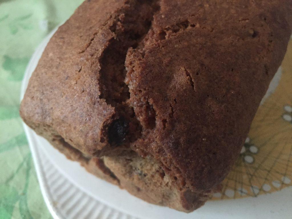 Haselnuss-Rosinen-Kuchen