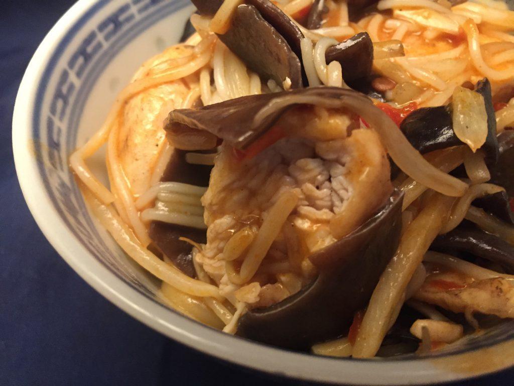 Pute, Gemüse und Reisnudeln in Toban-Djan-Sauce