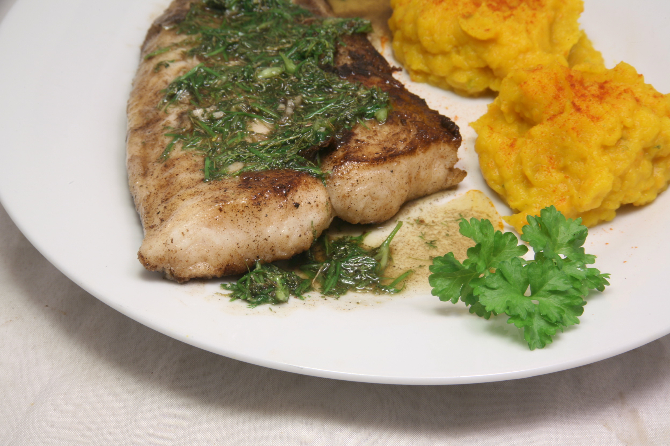 Welsfilet mit Kürbis-Püree