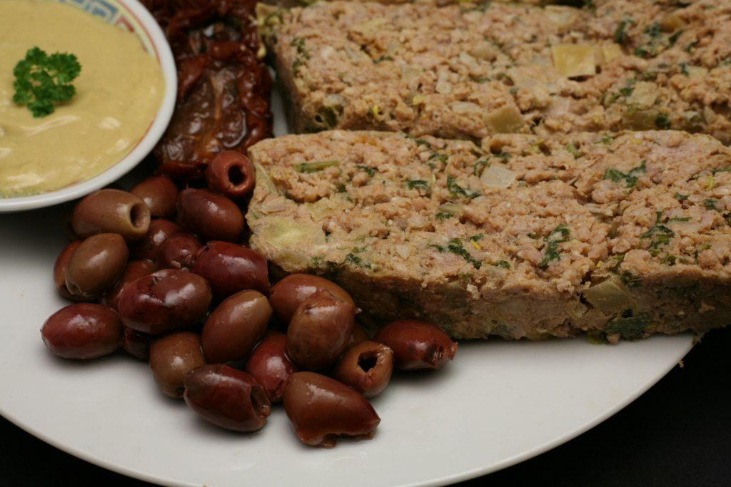 Abend-Snack mit kaltem Hackbraten & Co.