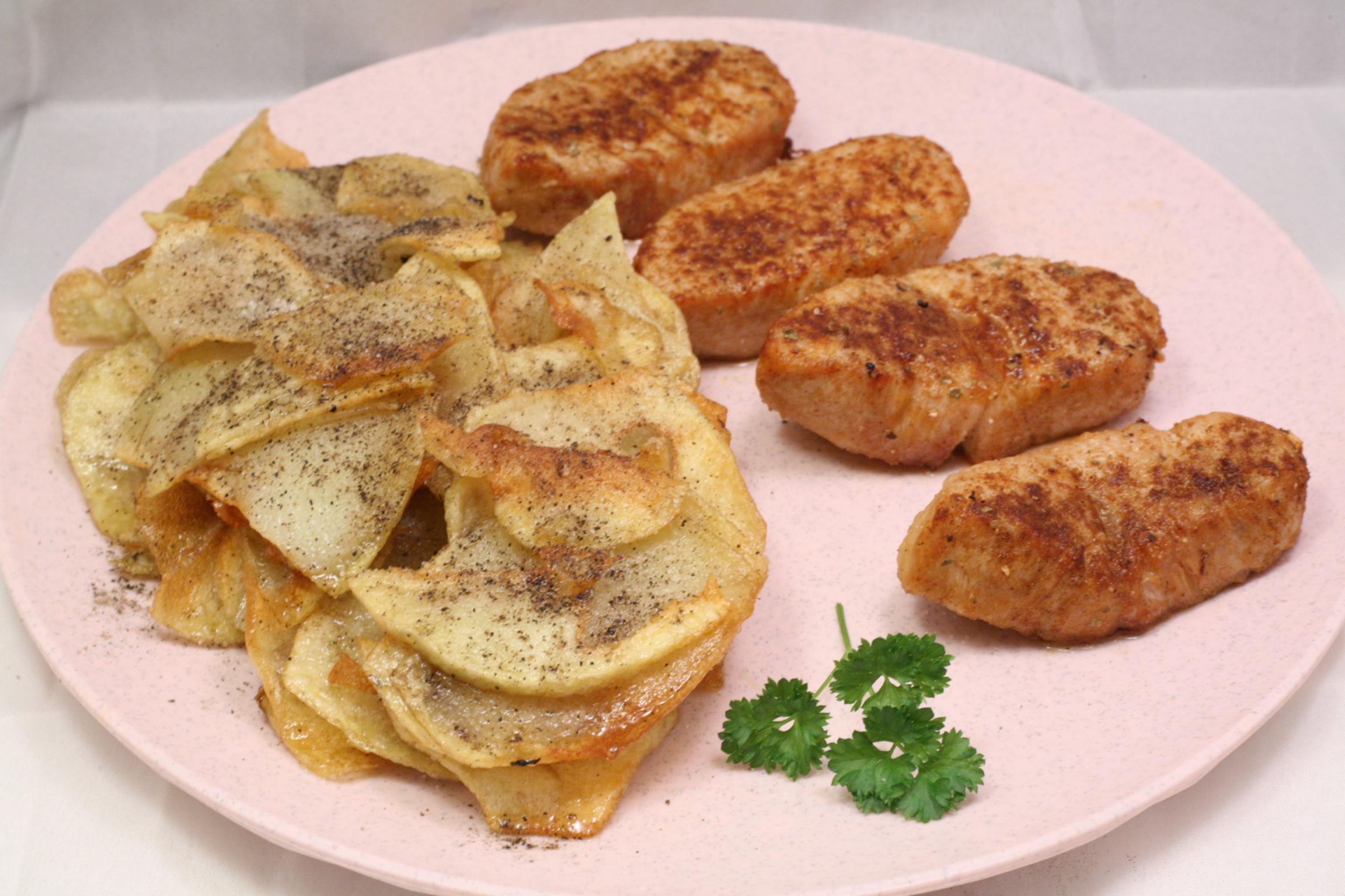 Putensteaks mit Kartoffelchips