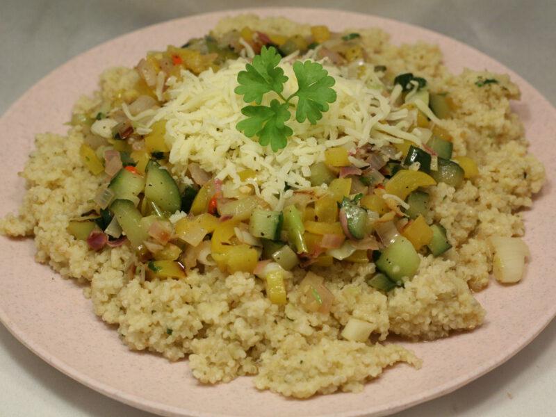 Gemüse in Zitronen-Sauce mit Quinoa und Hirse