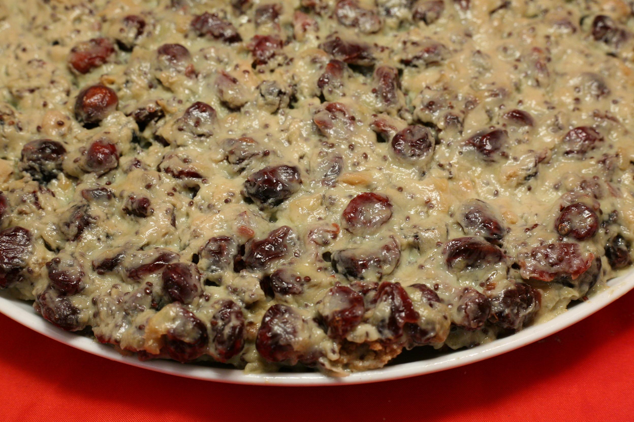 Kiwi-Joghurt-Torte mit Cranberries